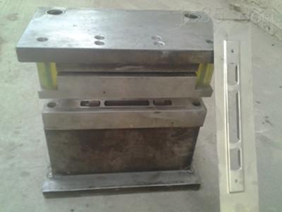 大连平板门液压打孔机门锁组合冲床