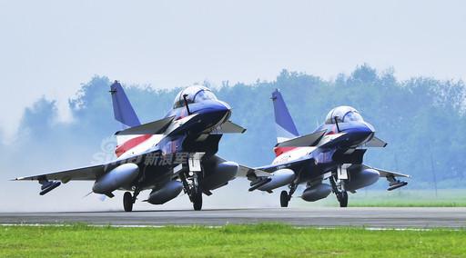 走进成飞厂区 看歼10A战机制造之地